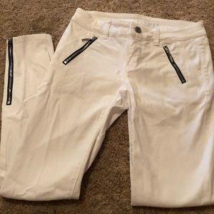 WHBM white skimmer jeans 00